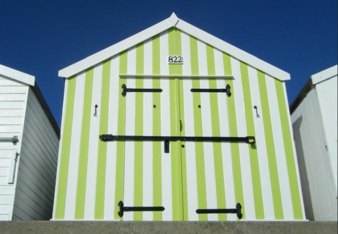 lime green vertical stripe beach hut felixstowe