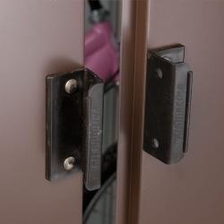 overlapping sliding doors