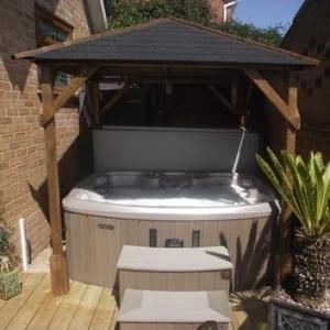 hot tub gazebo 2m x 2m